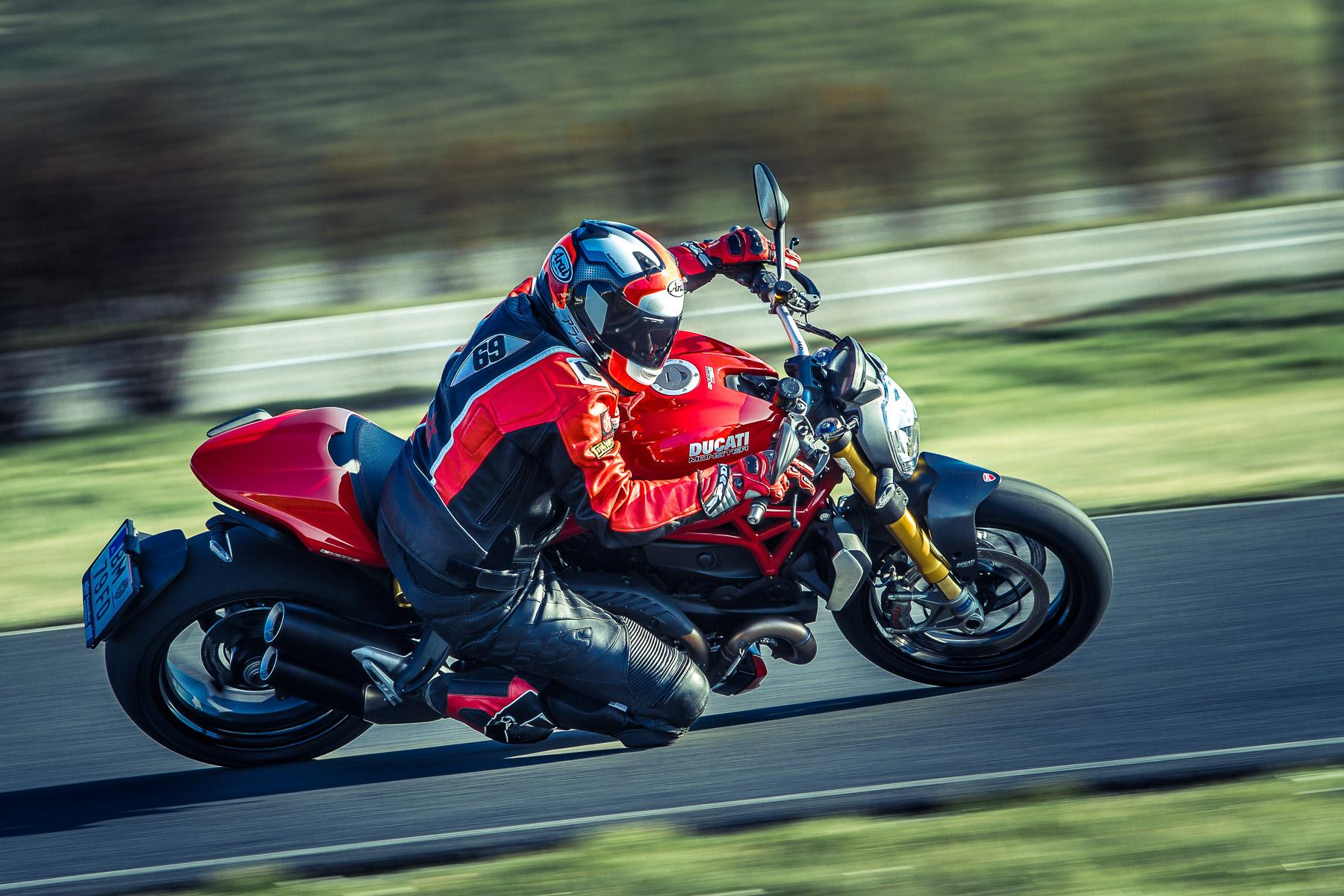 DucatiMonster1200s-0231.jpg