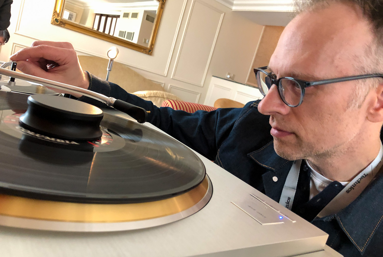 Michael Graves checking out the SL-1000R