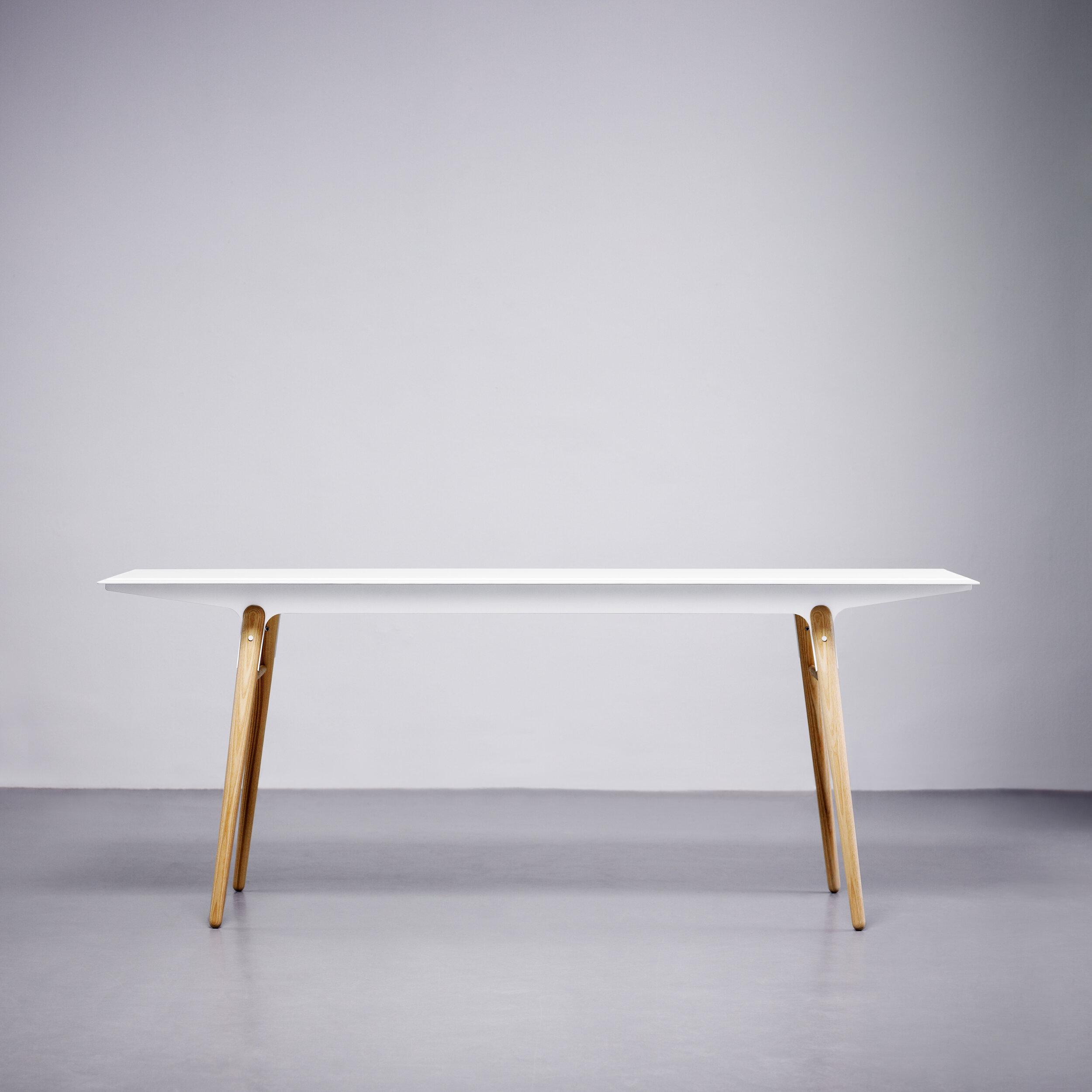 L002_Standard Table