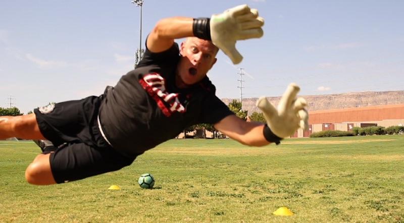 How To Play Goalie - Beginner Goalkeeper Training - GK Catapult 17