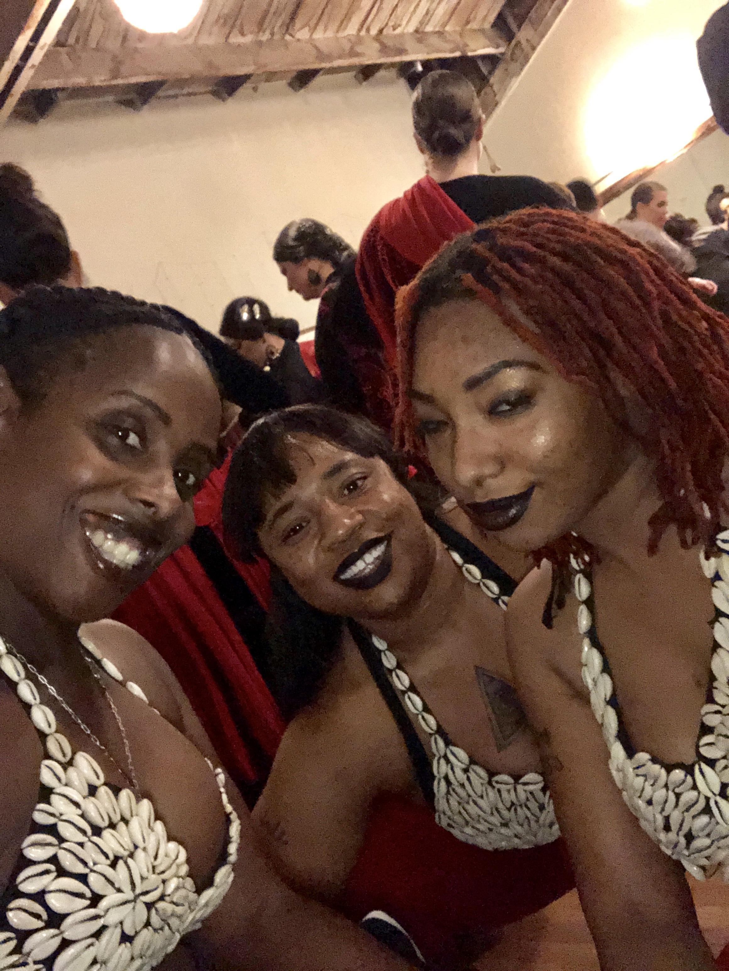 Afrikawedance performs for Bela