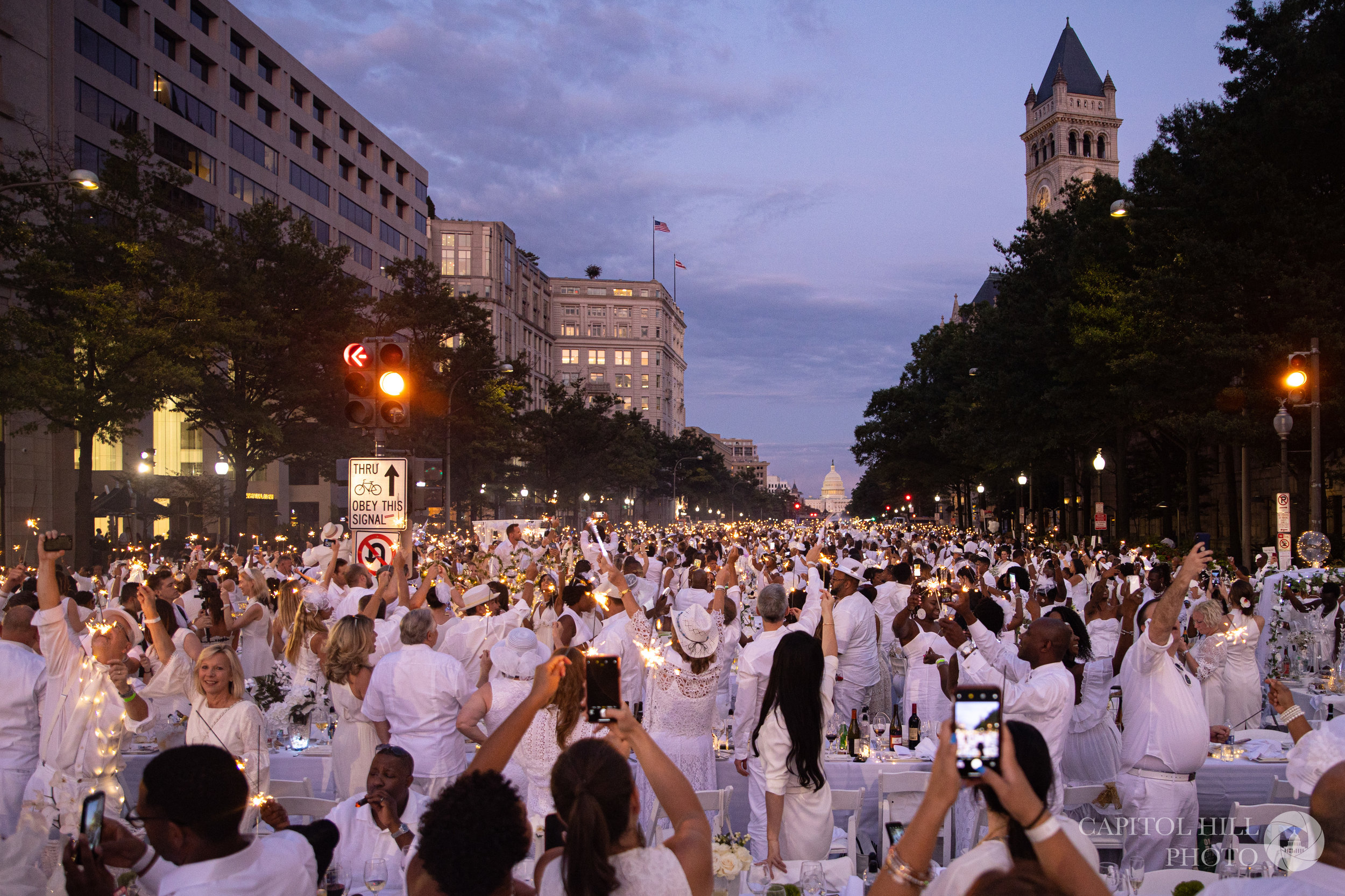 Diner En Blanc DC 2019 - The yearly marvel of white in the District of Columbia didn't disappoint this year, with sparklers, a great band and DJ, and an always packed guest list!
