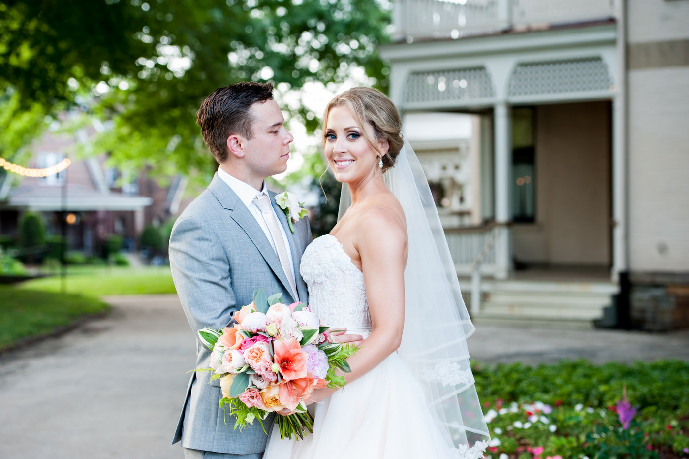 Liz and Paul - Photos by Lynne Goldstein / Planned by Perfectly Planned by Shari