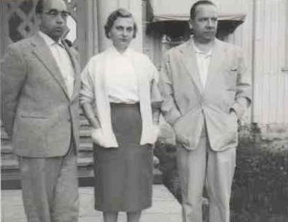 Fulda rengastehtaan johtaja Helmut Schanz yhdessä Hilpi ja Ensio Snellin kanssa 1957.