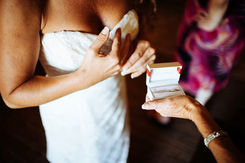 bride+and+ring.jpg