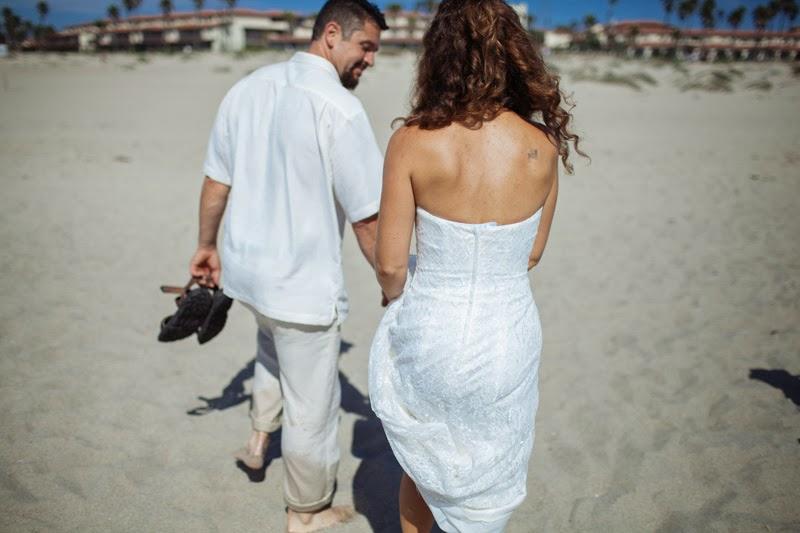 bride+and+groom+beach.jpg
