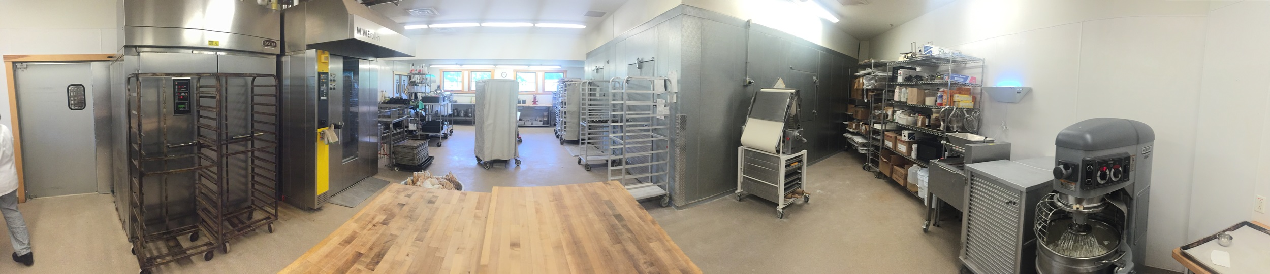Panoramic view of a professional pastry kitchen!