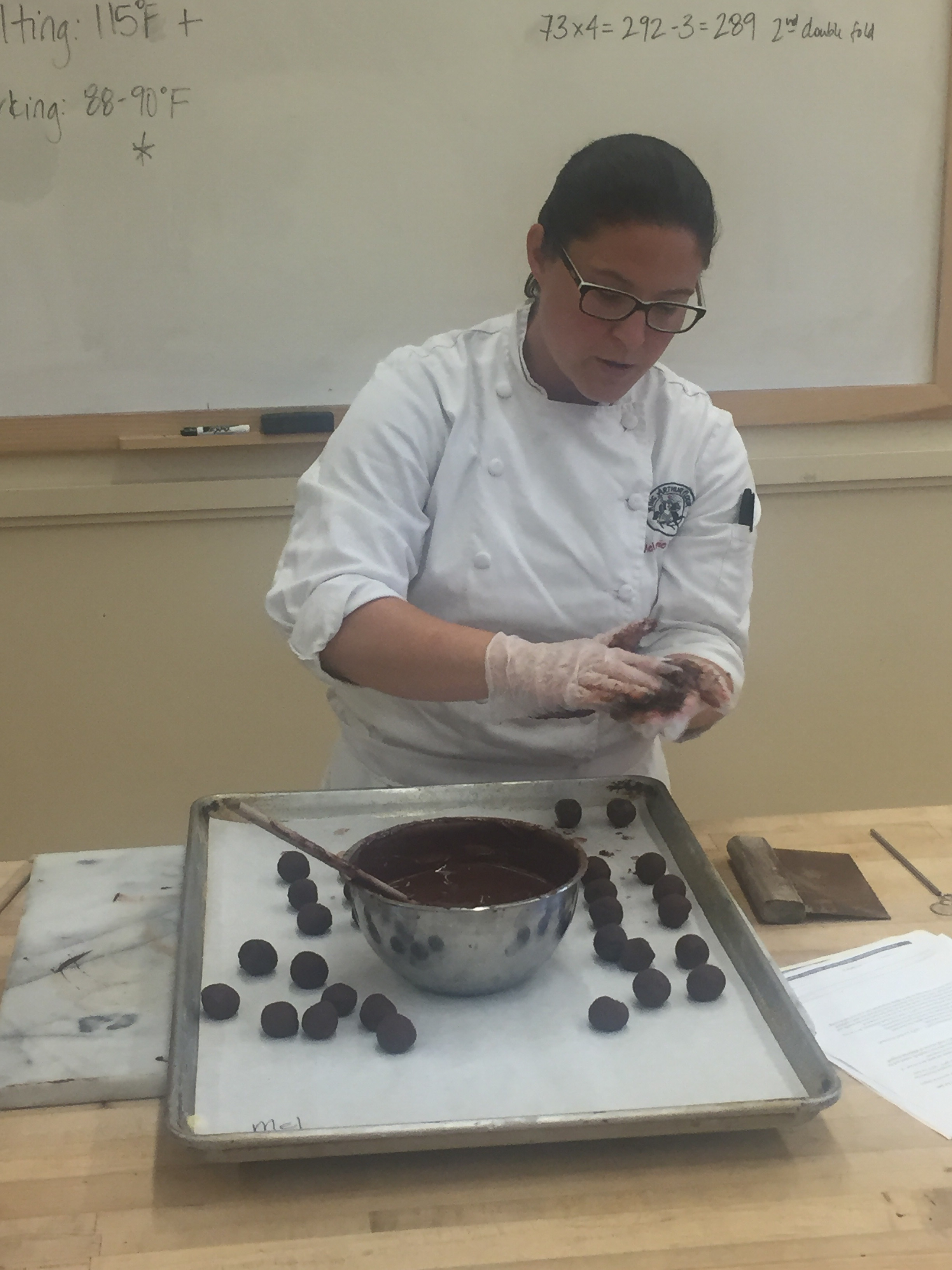 Note the near perfect round shape and cleanliness of Melanie's truffles and pan!