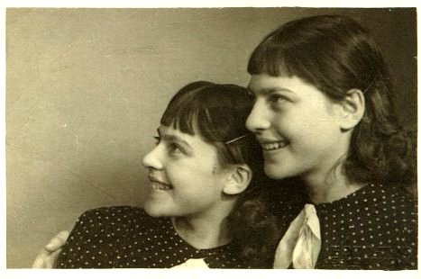 Which is which, who is who? Annetta and Stephanie. Or Stephanie and Annetta, Prague, 1930s.
