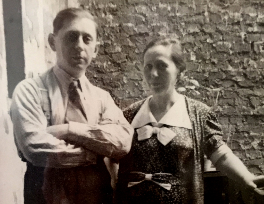 Berta's mother Rosa Müller, with her brother Heine