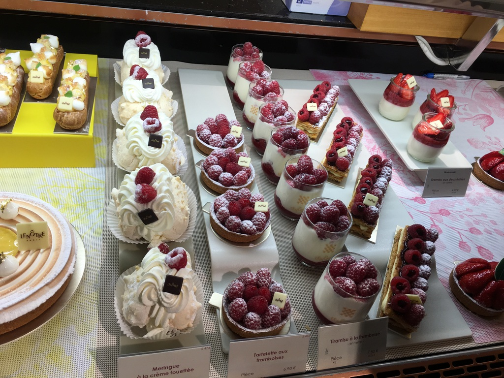 Amazing display – only in Paris would they stuff fresh raspberries with a berry sauce before placing them on a dainty afternoon tea cake!