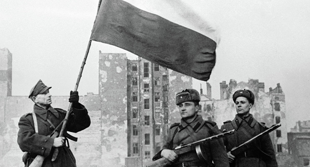 Red Army soldiers finally enter a destroyed Warsaw, January 1945