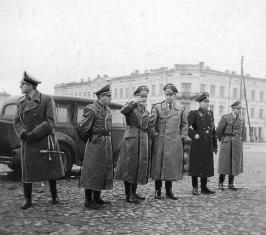 Nazi leaders visit Tomaszow Mazowiecki sm.jpg
