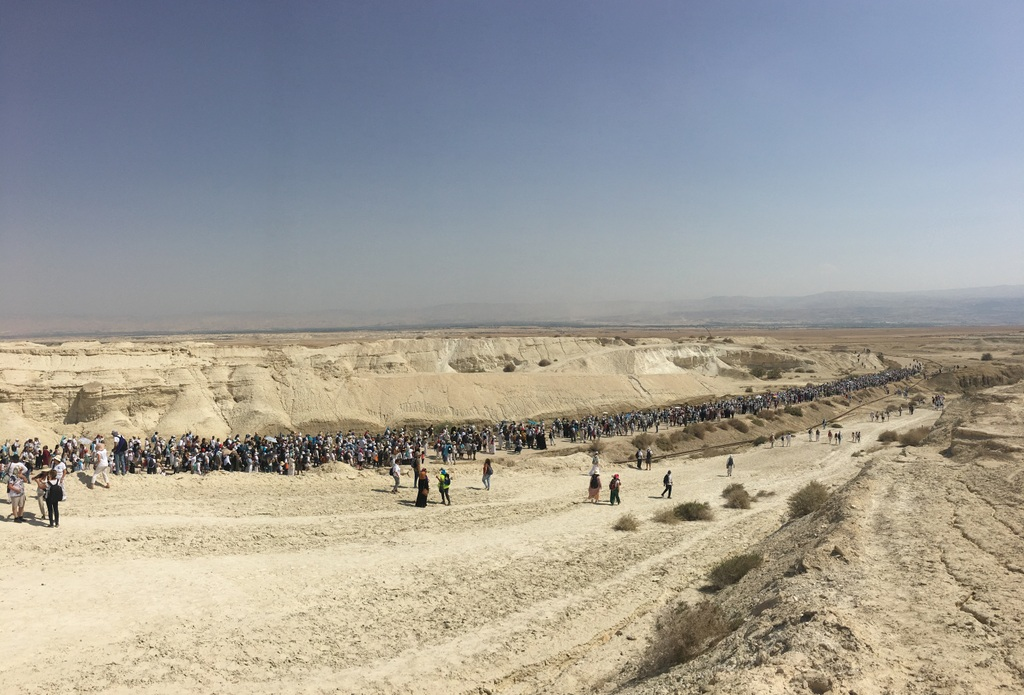 Some 10,000 Palestnian and Israeli women marched at the Dead Sea this year.
