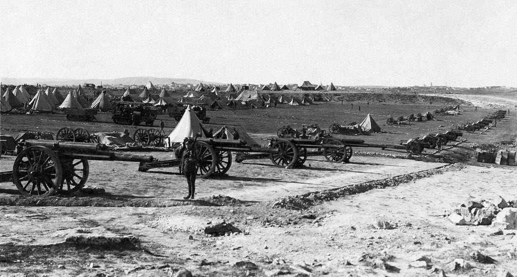 British artillery during the Battle for Jerusalem.