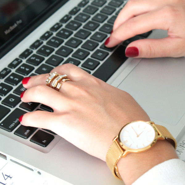 At The Office  When at work, bangles clanking against your keyboard can get pretty annoying, but a statement ring doesn't do that. Keep it simple by pairing the ring with a classic timepiece like this simple gold watch.