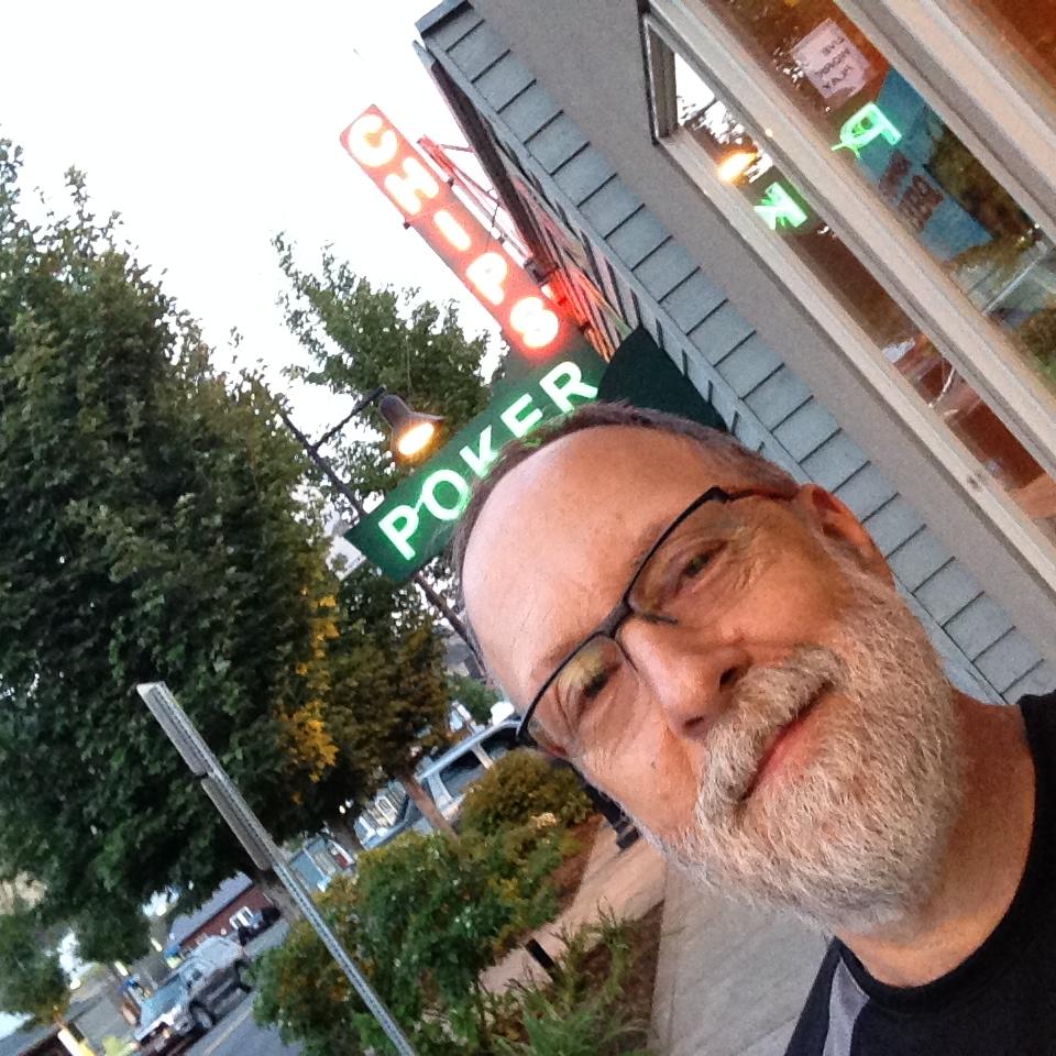 "The ""nightlife"" in Bingen, WA"