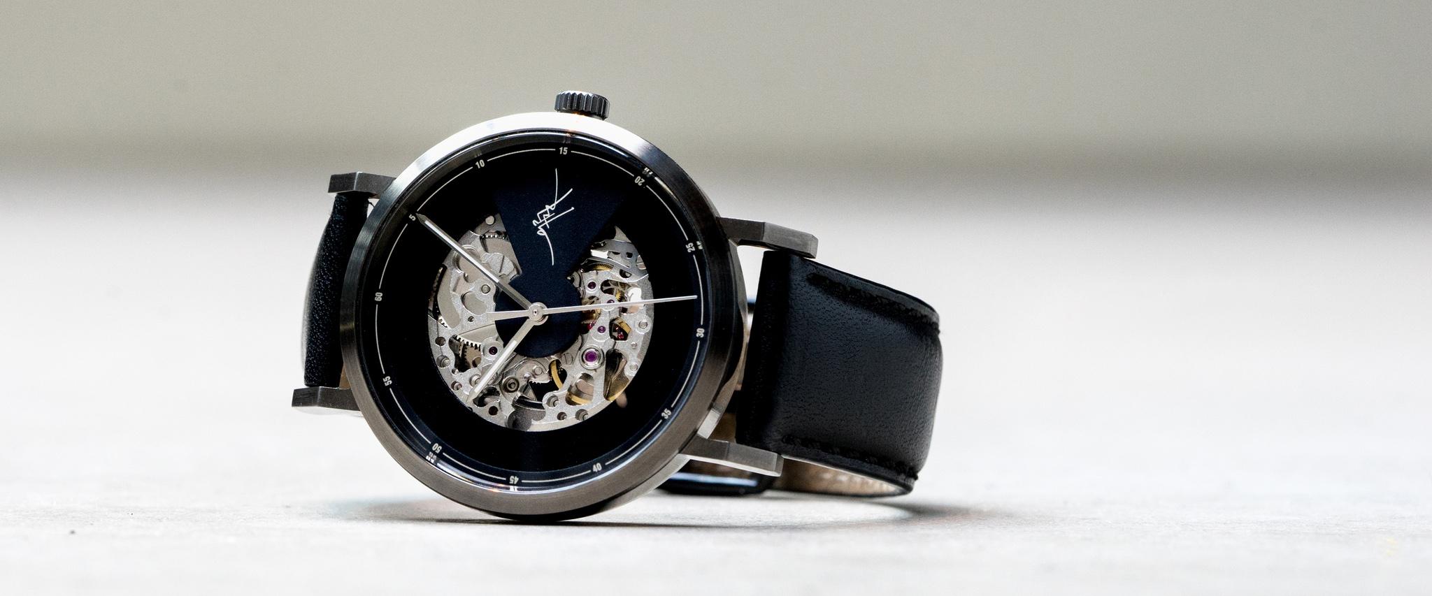有興趣的朋友就馬上設計你的專屬錶盤吧!