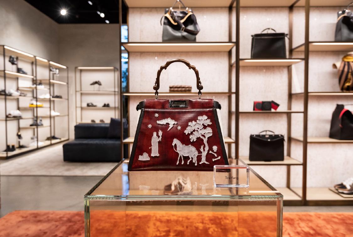 09_fendi-design-district-boutique_in-store-display_teo-yang.jpg