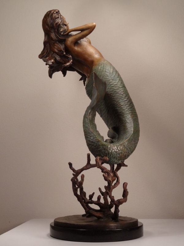 Sabol_Mermaid_27x18x14_Bronze_1.jpg