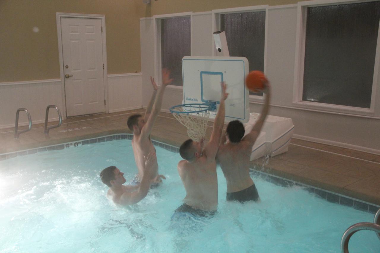 Fun sports in the Pool!