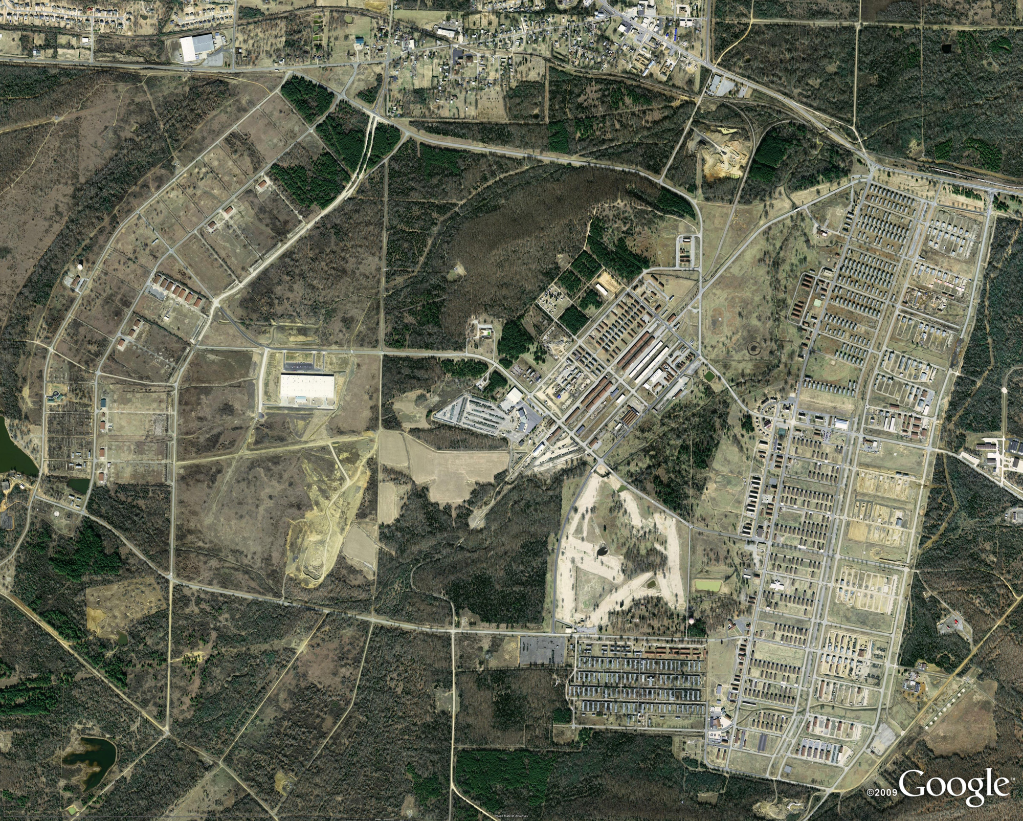 Aerial view fort Chaffee.png