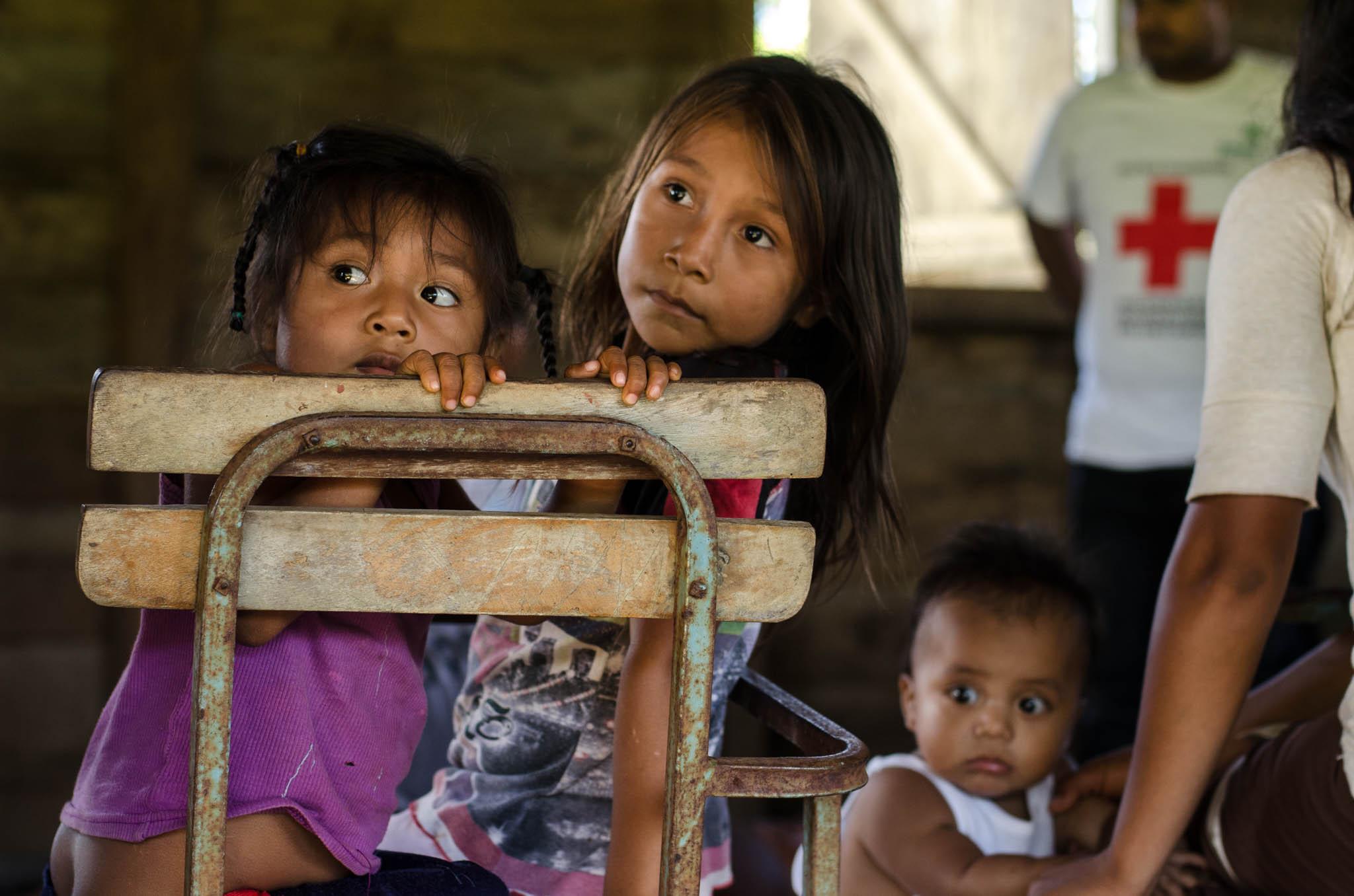 Children, Bangkukuk - photo, Tom Miller