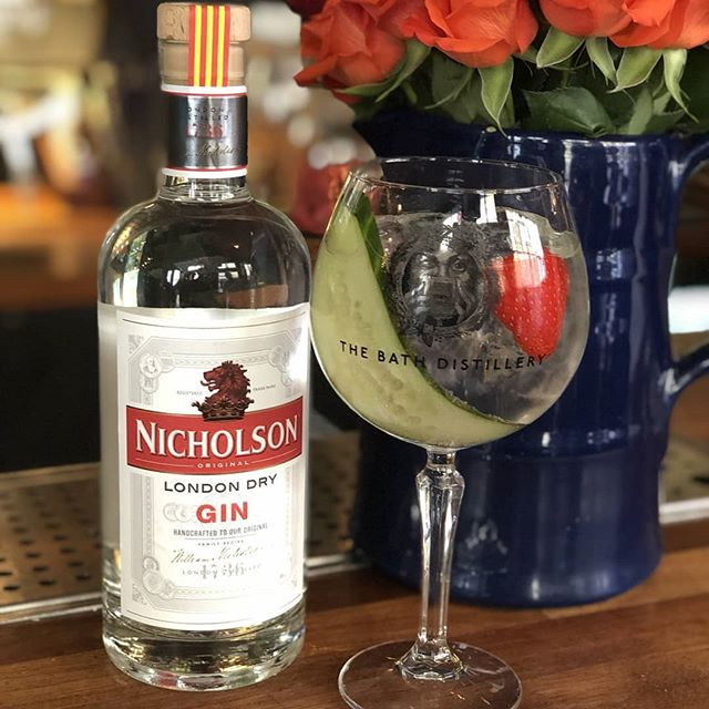 Considering how well England are doing in the cricket world cup, we have decided it would be fitting to have @nicholsongin as our 'Gin of the Week'. A gin we at the bar have grown to love, after they joined us recently at our world gin day street party. So come on down to the bar this week and let us know what you think!