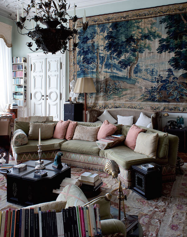 A Nineteenth-century Russian residence at the Zattere, Dorsoduro: a masterful mix of textures, fabrics and passemeterie...love the lacquered white double doors