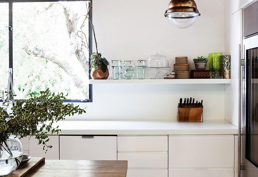 A minimalist at heart I do appreciate a clear counter...