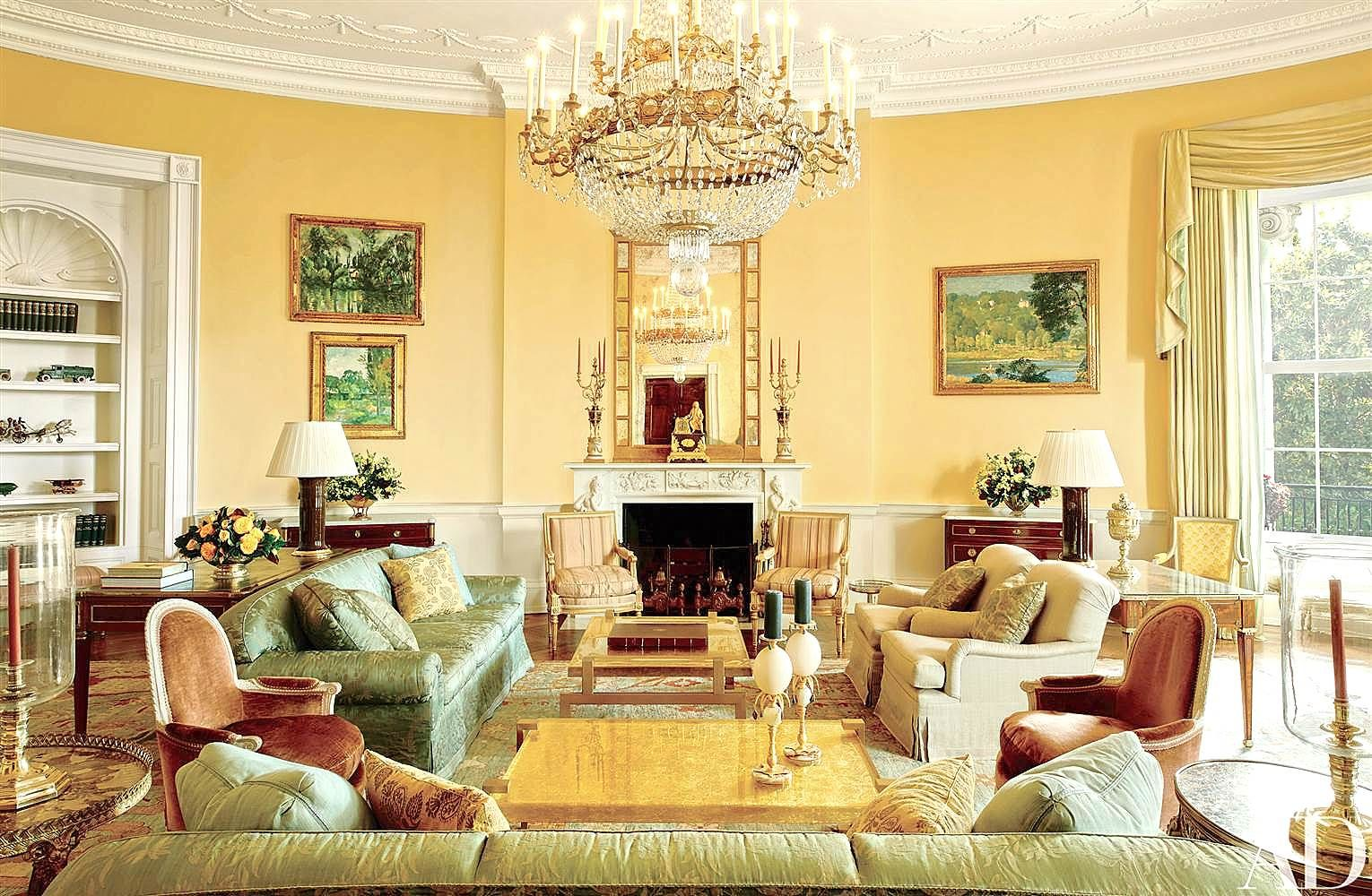 The yellow Oval Room of the Obamas - looks like a completely different room although most of the furniture was kept and reused from the earlier Bush decor - the positioning of these two coffee tables does make the room look more spacious