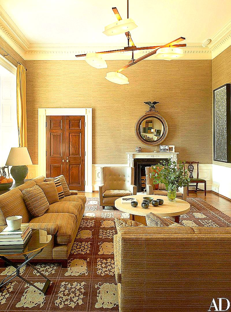 The Obama sitting room - again with the brown, yellow and green color palette...the Yellow Oval Room, master bedroom and sitting room are all near each other,which accounts for the complementary color scheme...Glen Ligon's Black Like Me #2 hangs on the right wall