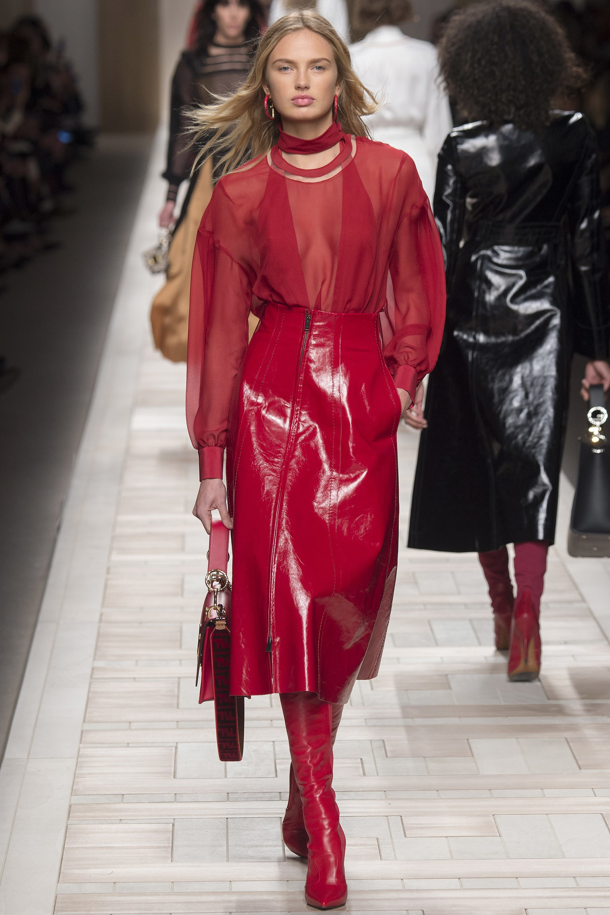 Fendi Fall 2017 - Ready to Wear  - I'm all about this leather skirt it's just rocking!