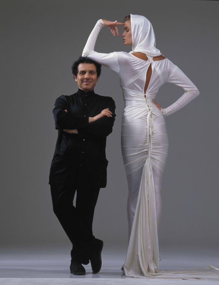 Azzedine Alaïa and Elle Macpherson -  photography Gilles Bensimon 1986