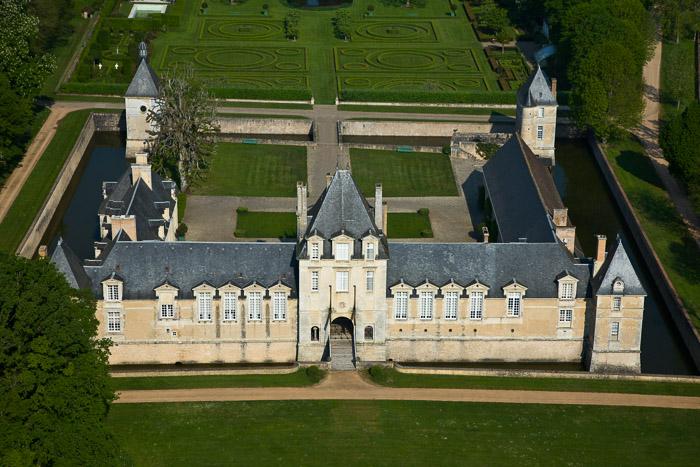 France, Centre, Eure-et-Loir (28), Romilly-sur-Aigre, Château Le Jonchet (vue aérienne)