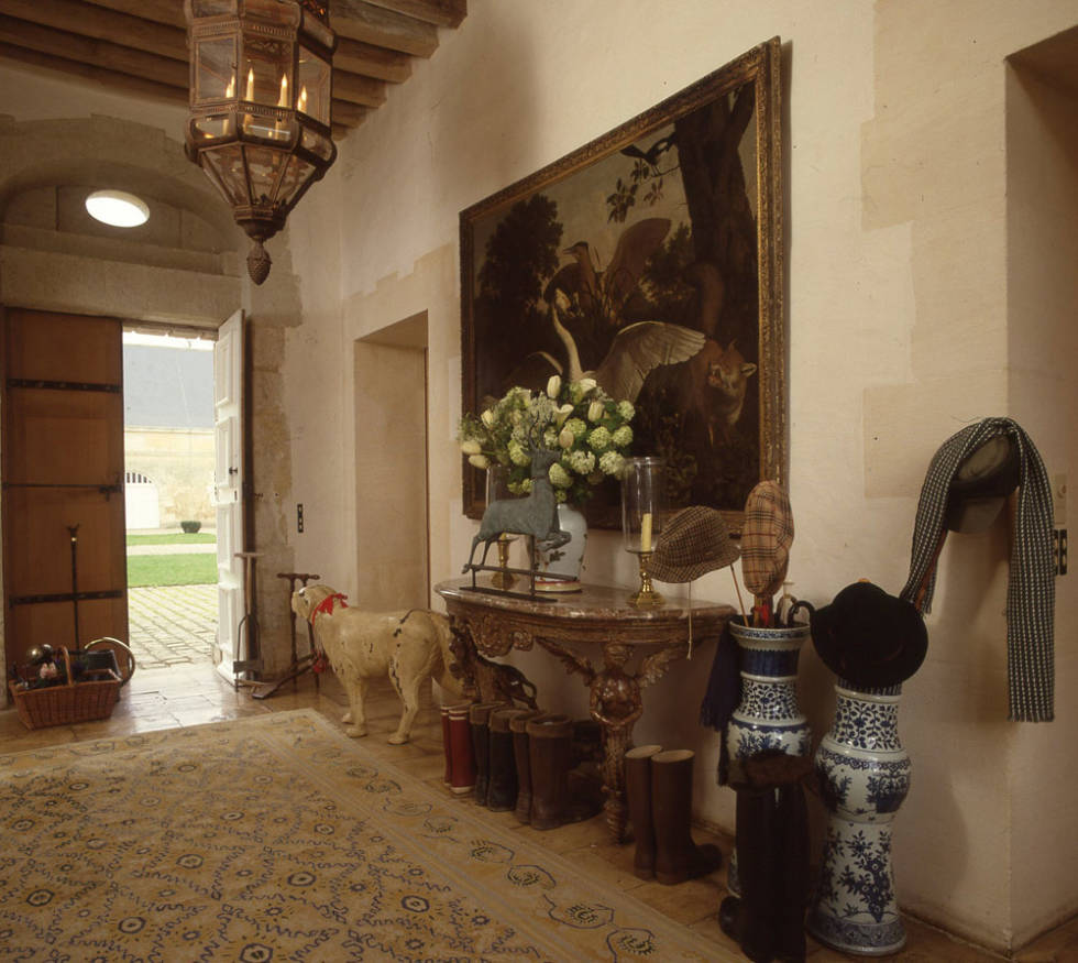 Elegant-Dressing-Hubert-de-givenchy-1927-2018-Doreen-Chamebrs-Best-Interior-Designer-Brooklyn-New-York-South-Florida
