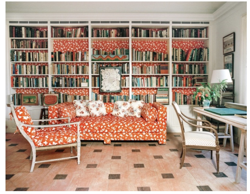 Tory Burch's library enjoys liberal use of a Dek Tilett fabric looking very much like the fabric that Bunny Mellon used for her library