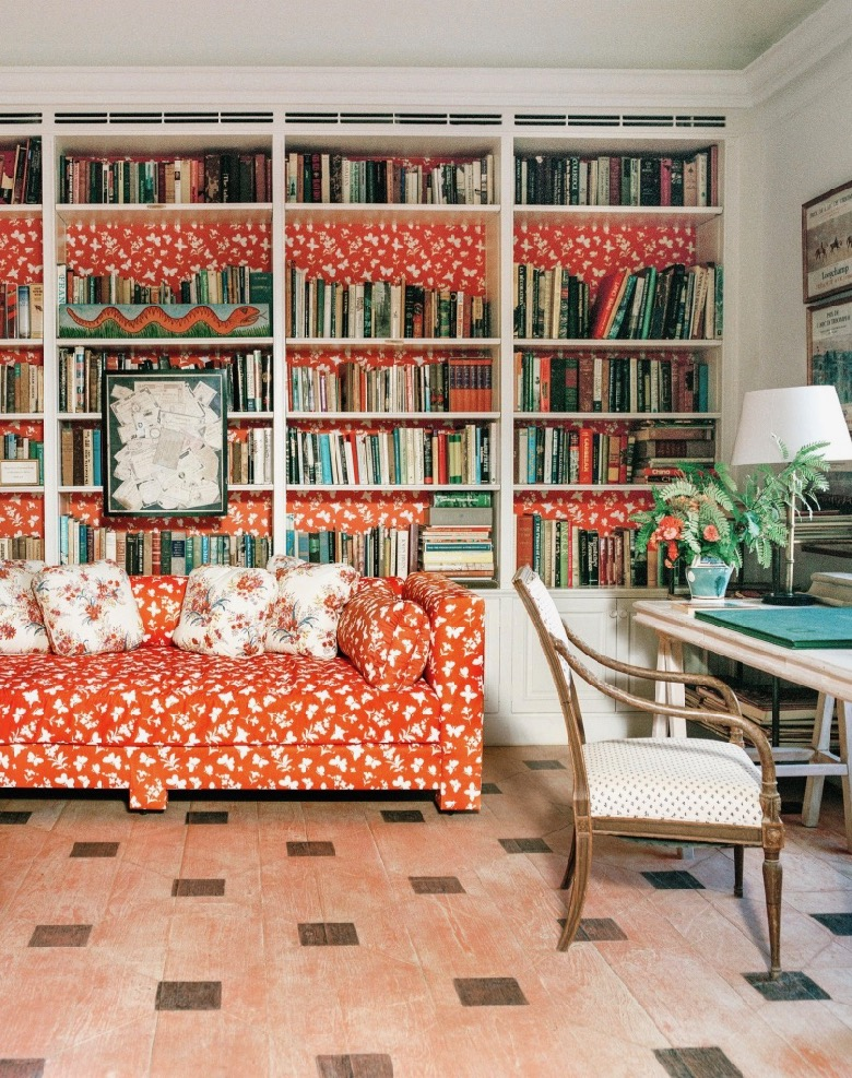 Interesting use of the fabric accessorizing the bookshelves - personally would have preferred it just on the sofa