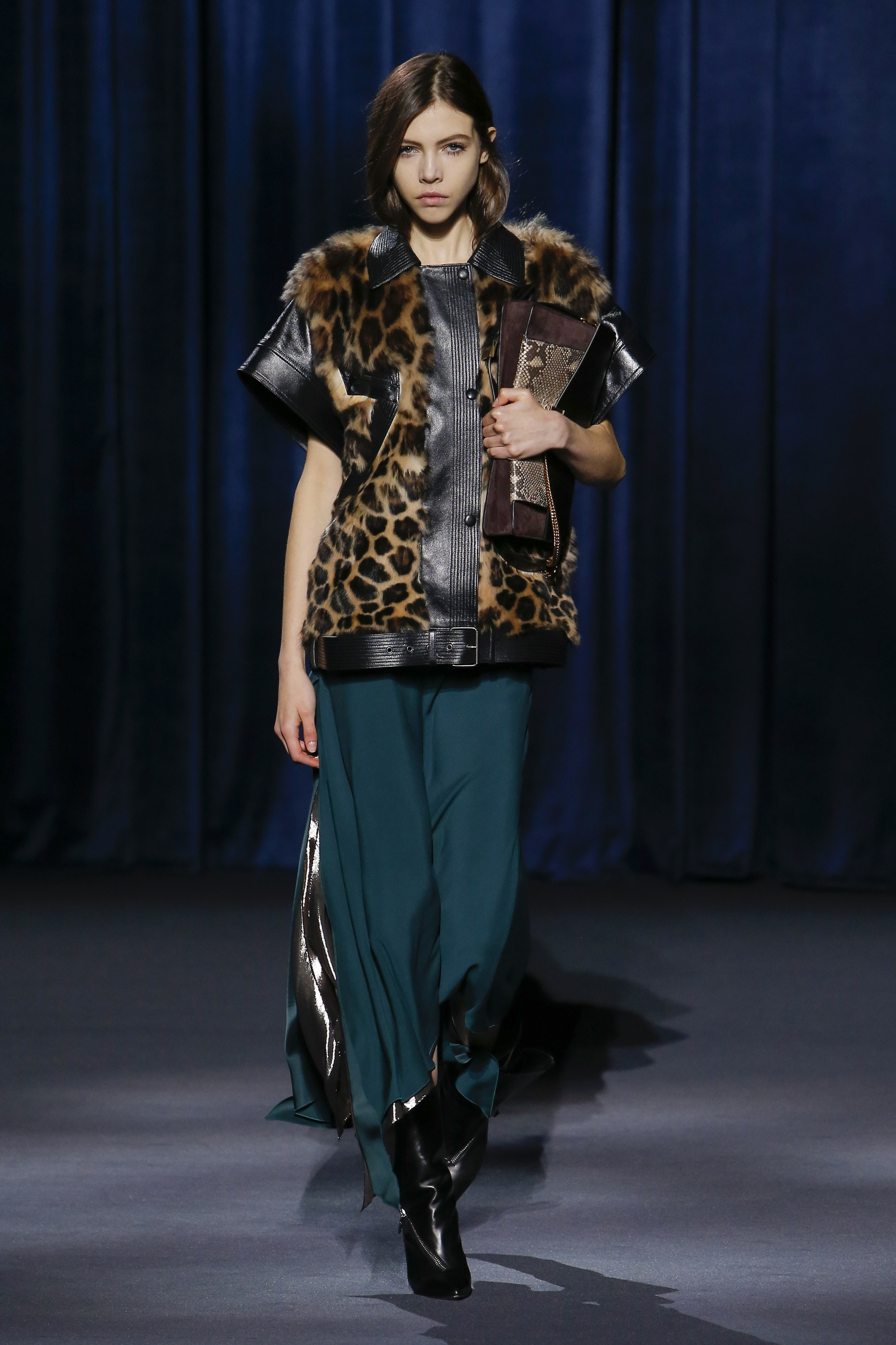 Givenchy Ready-to-Wear Fall 2018  - Leather and animal print all in one