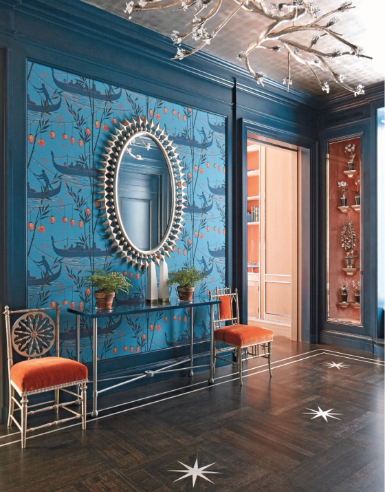 Loving the turquoise/orange combo and the Chinoiserie wallpaper!