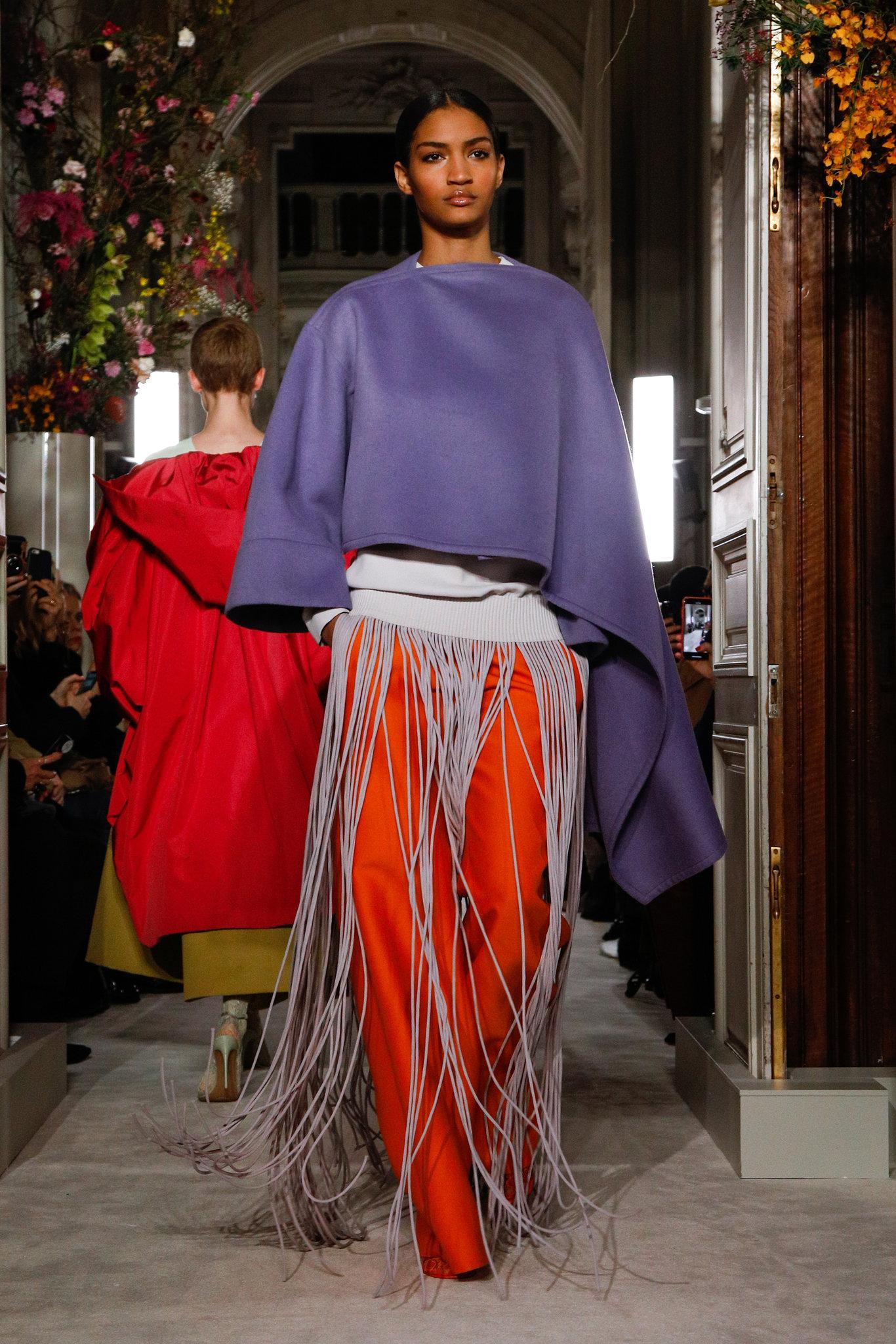 Valen-spring-2019-couture-slide-8ZAM-superJumbo.jpg
