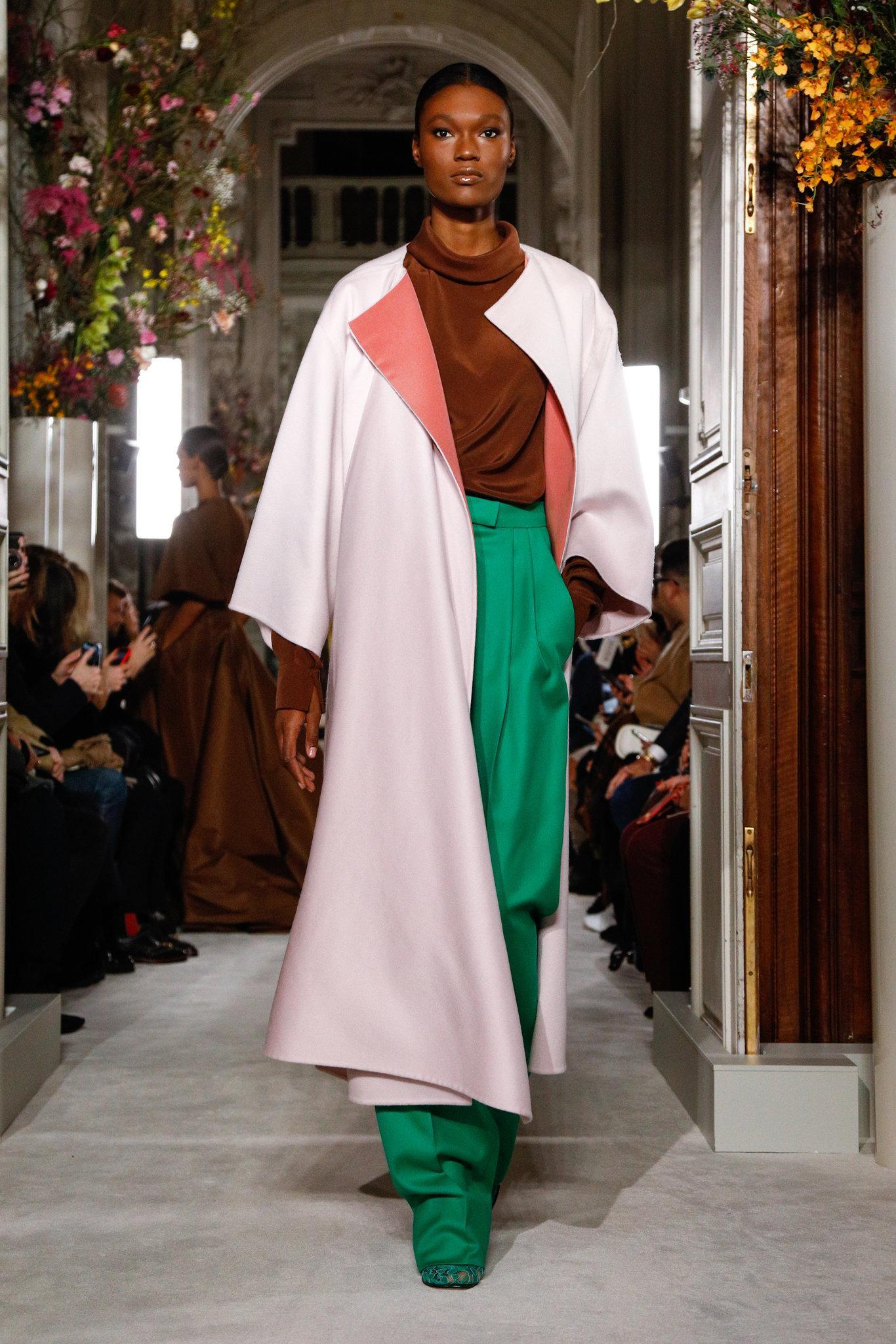 Valen-spring-2019-couture-slide-W4FL-superJumbo.jpg