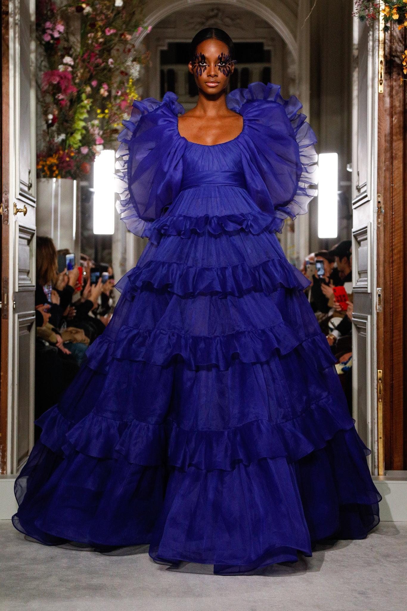 Valen-spring-2019-couture-slide-JRKZ-superJumbo.jpg