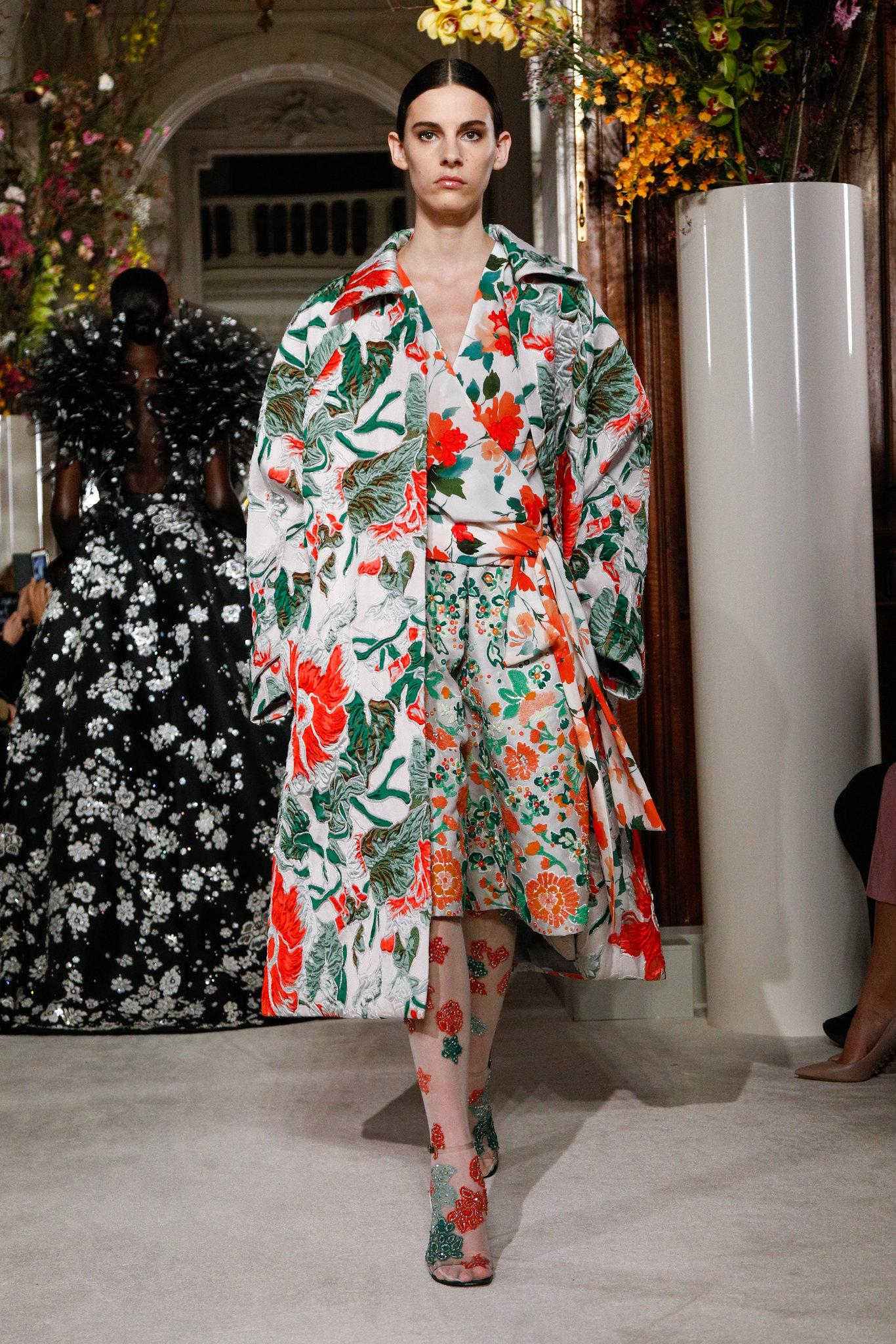 Valen-spring-2019-couture-slide-S57U-superJumbo.jpg