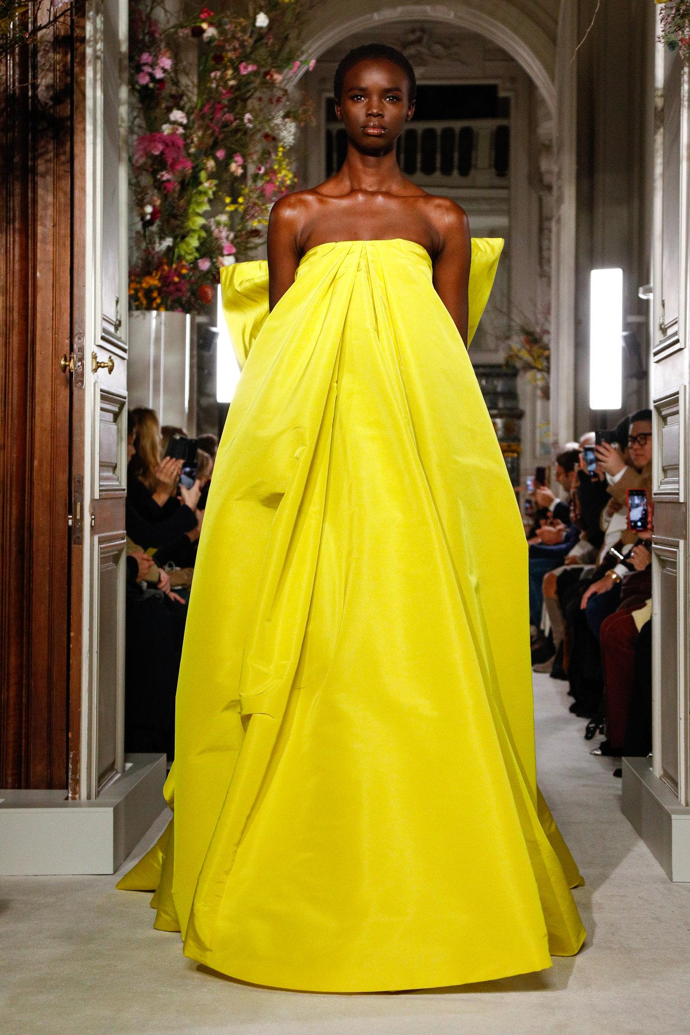 Valen-spring-2019-couture-slide-RQHI-superJumbo.jpg