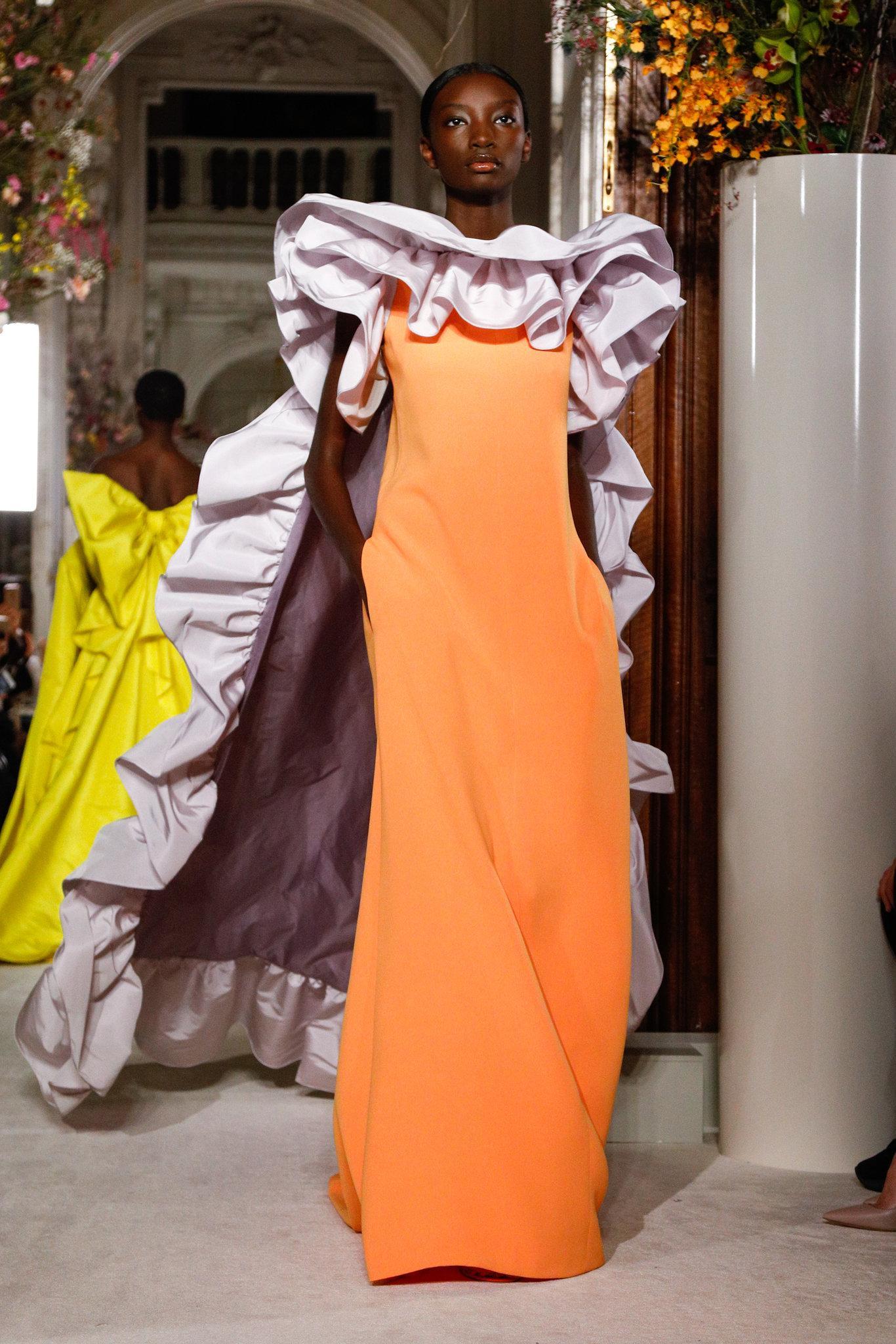 Valen-spring-2019-couture-slide-UQEW-superJumbo.jpg