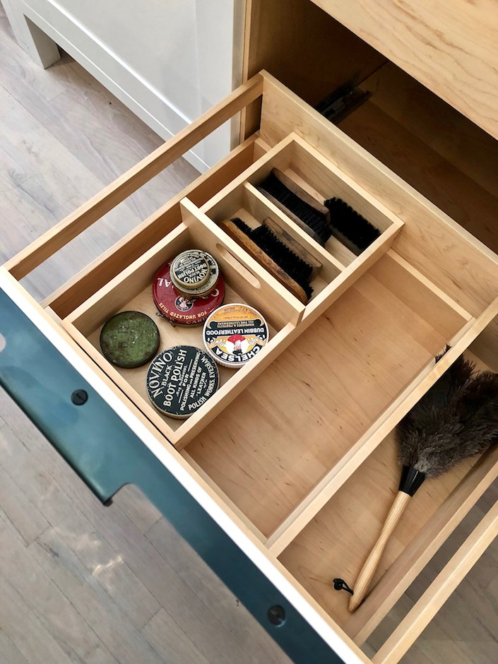 Finally, a home for the shoe shine kit - the tray's removable too