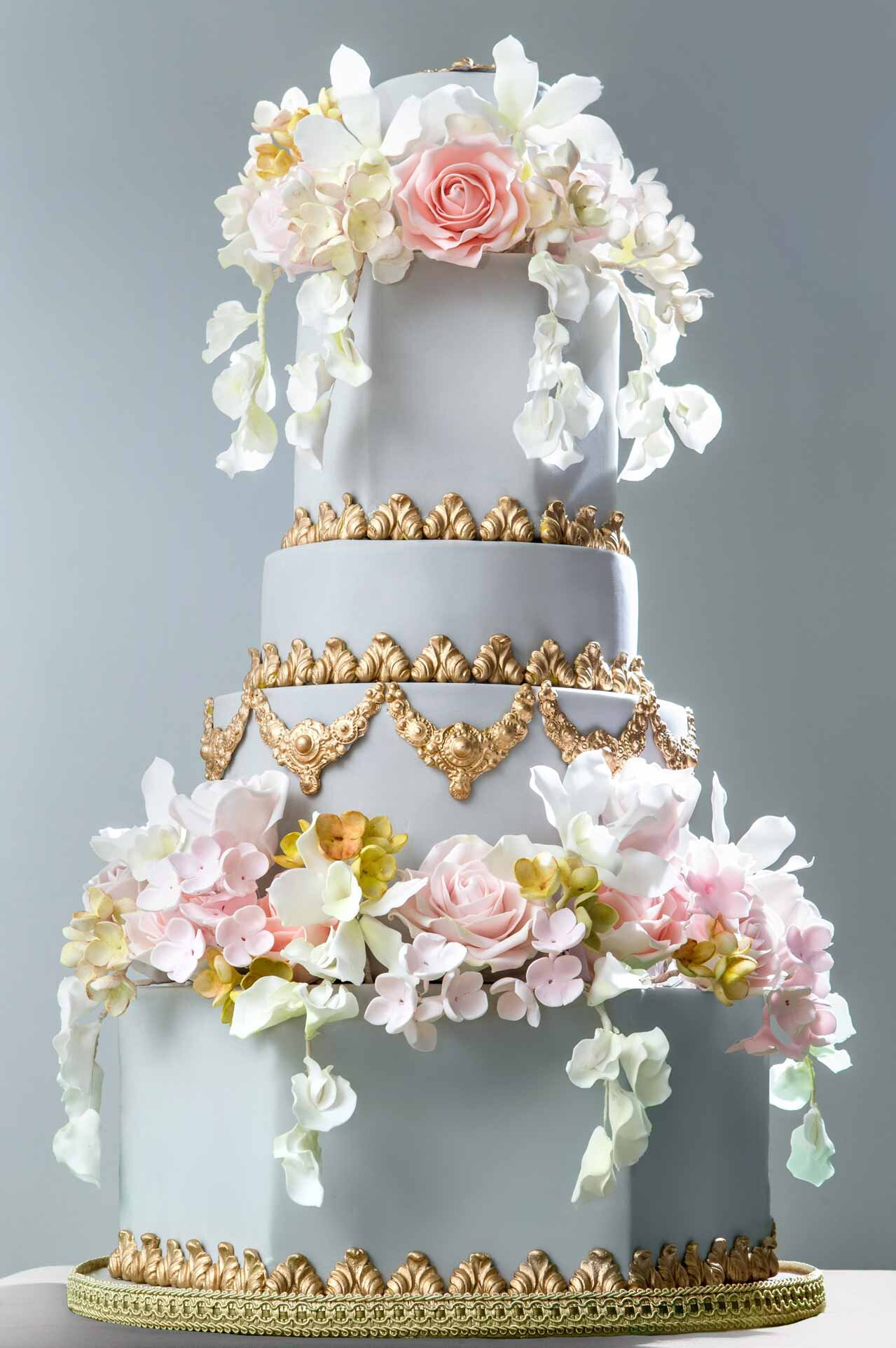 GREY-AND-GOLD-BAROQUE-CAKE.jpg
