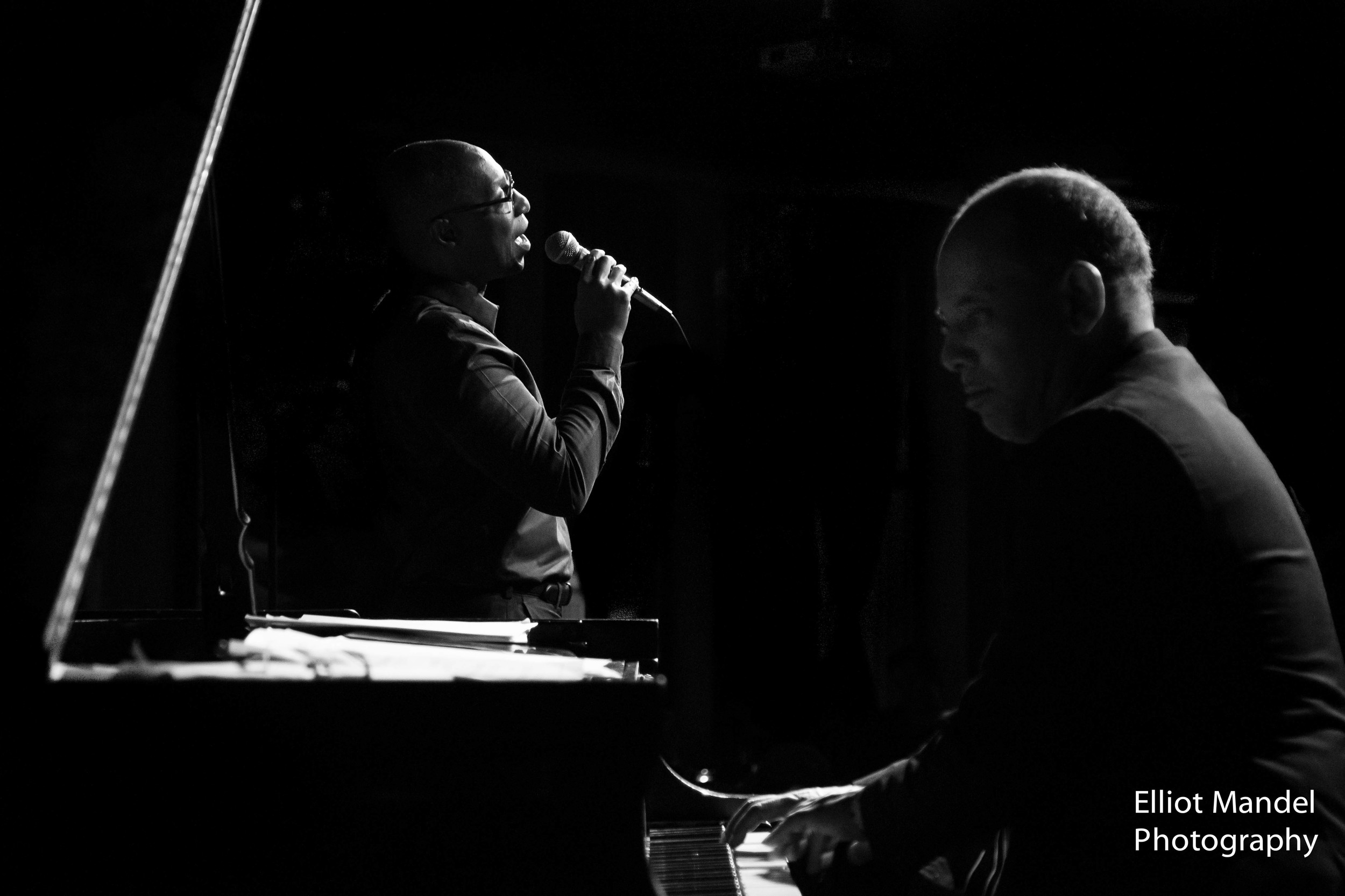 Charles Thomas (vocal), Miguel de la Cerna (piano)