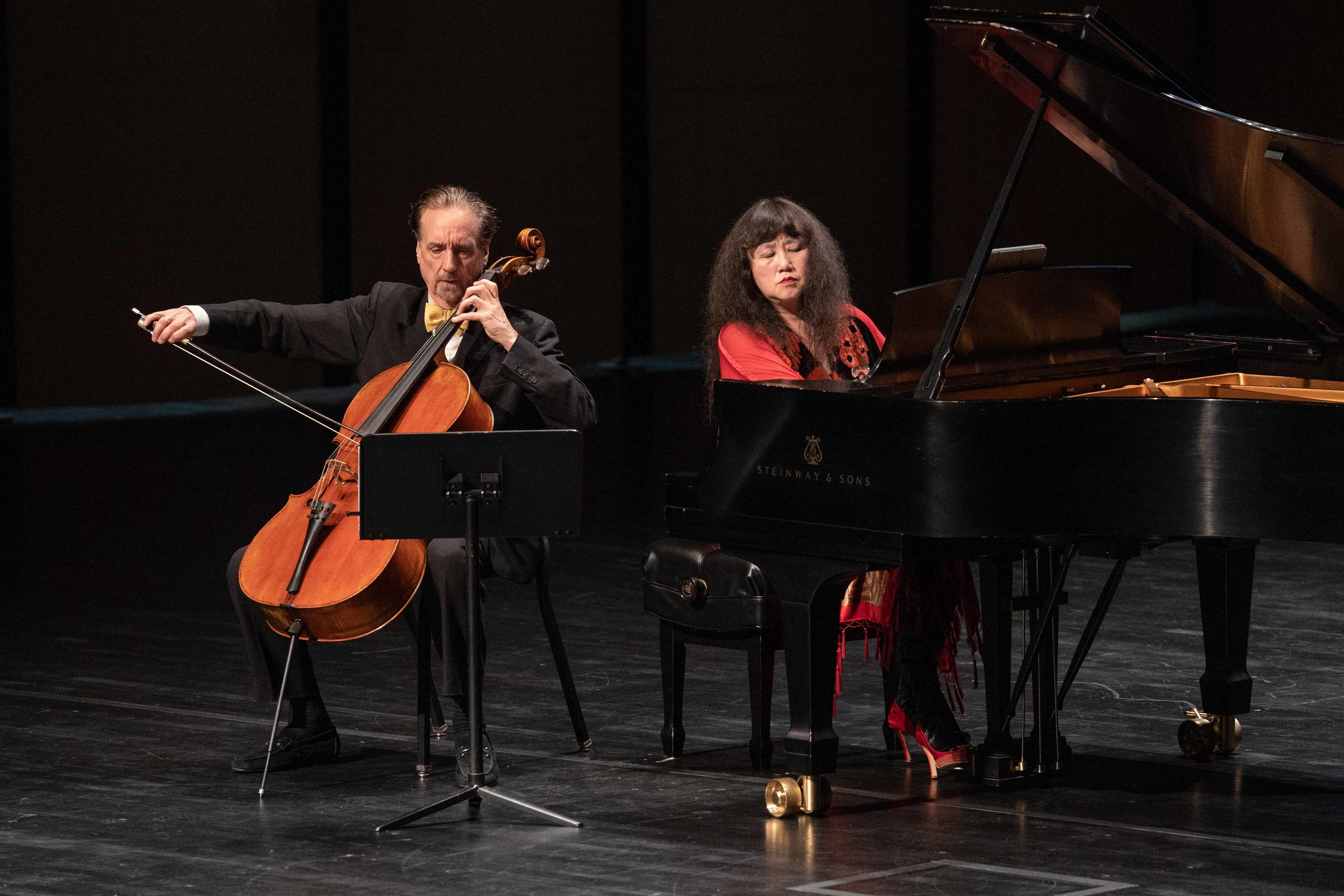 Chamber musicians play well together: David Finckel and Wu Han for Harris Theater. (Photo by Elliot Mandel, copyright 2018, all rights reserved.)